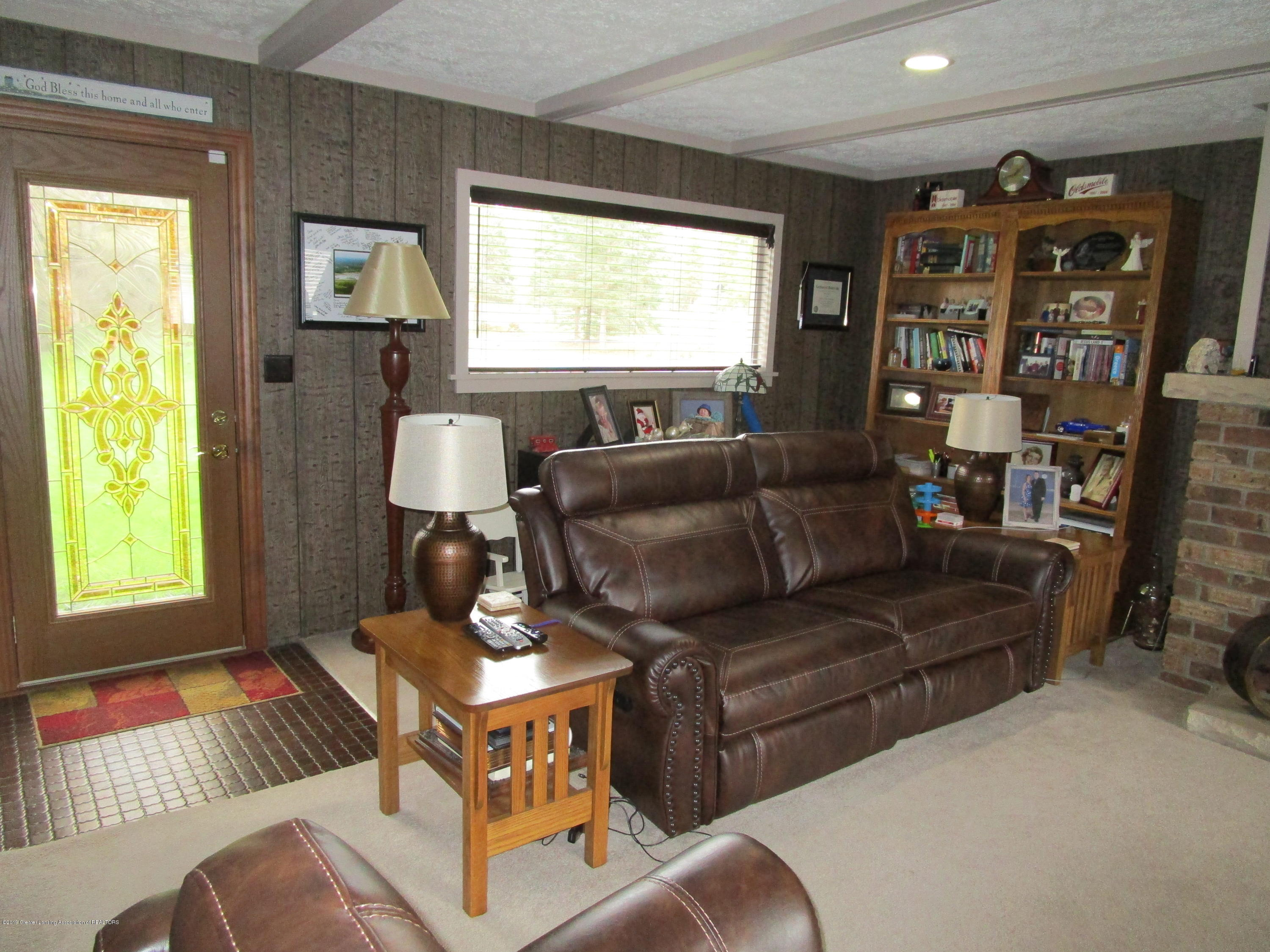 12796 Melody Rd - Living - 8