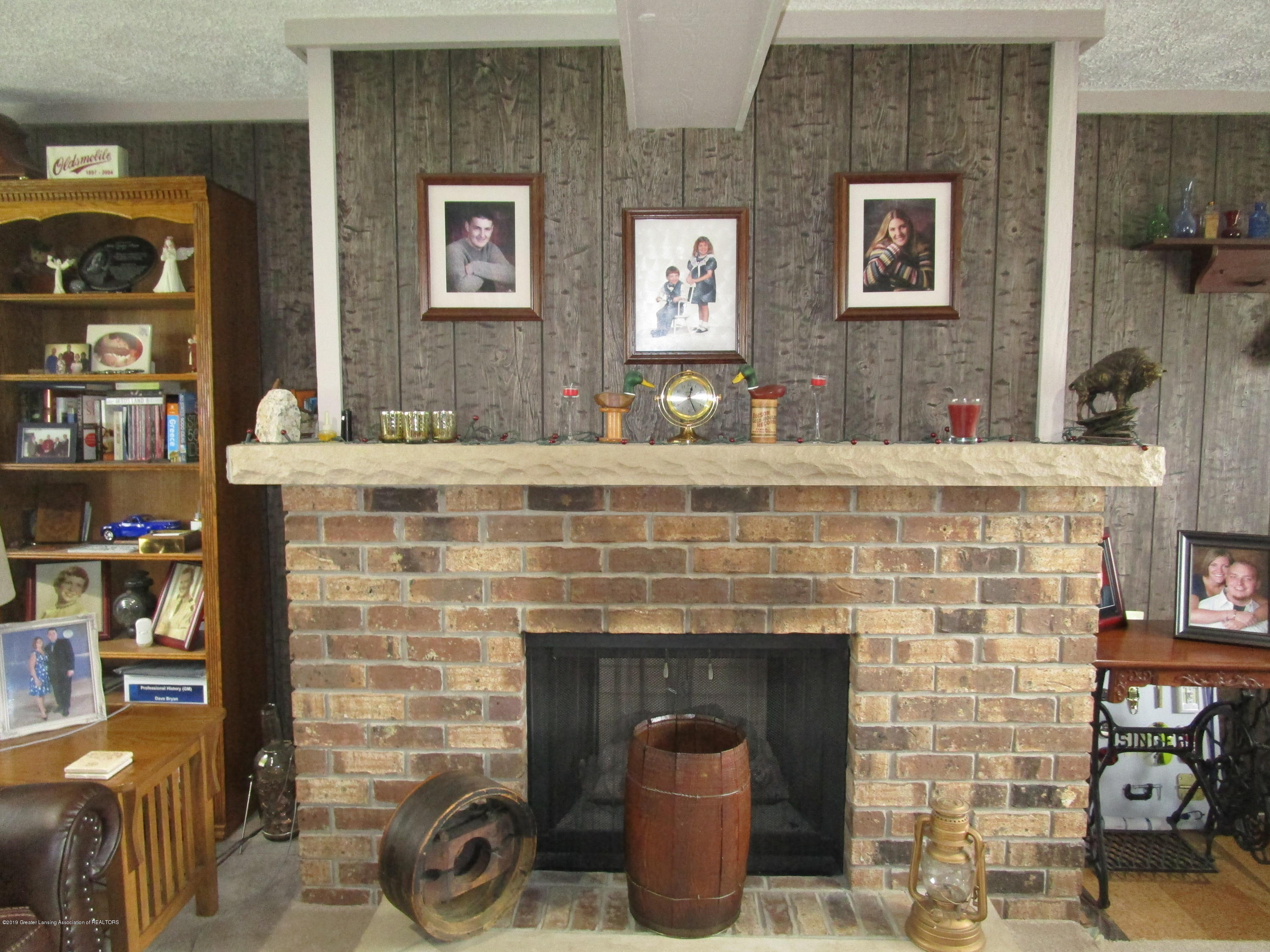 12796 Melody Rd - Fireplace - 10