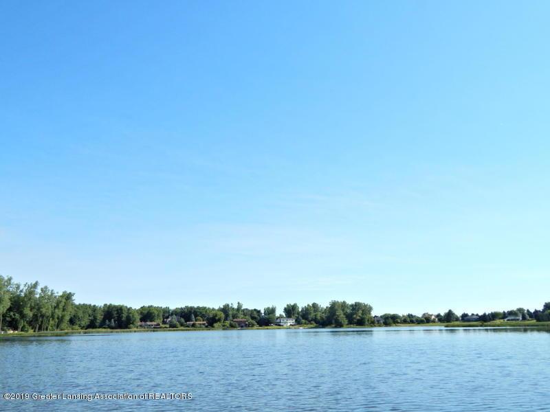 10191 S Bay Dr - Scenic lake - 33