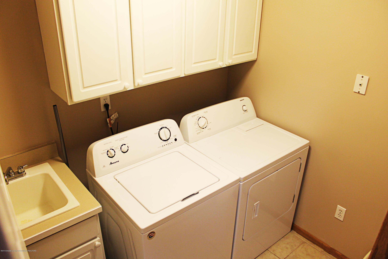 1103 Sunrise Dr - First Floor Laundry - 19