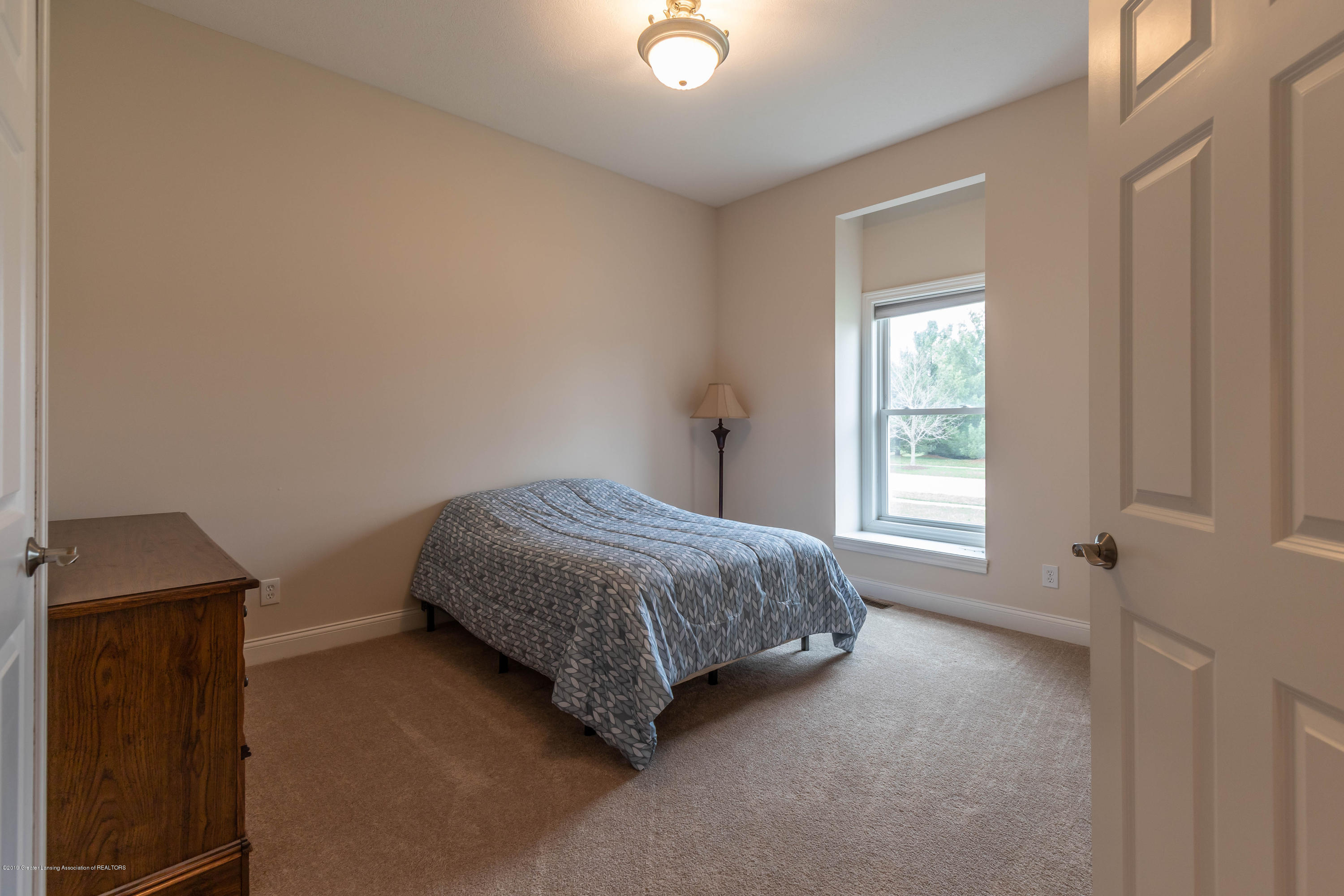 12780 Paradise Dr - Bedroom - 33