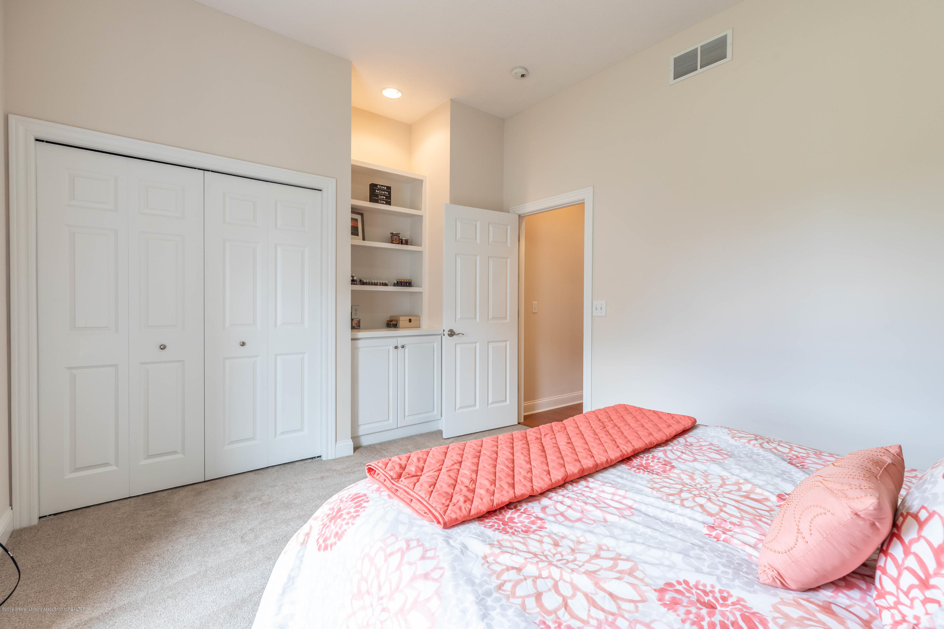 12780 Paradise Dr - Bedroom - 37