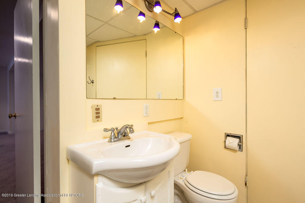 421 Curtis Rd - Lower Level Full Bath - 22