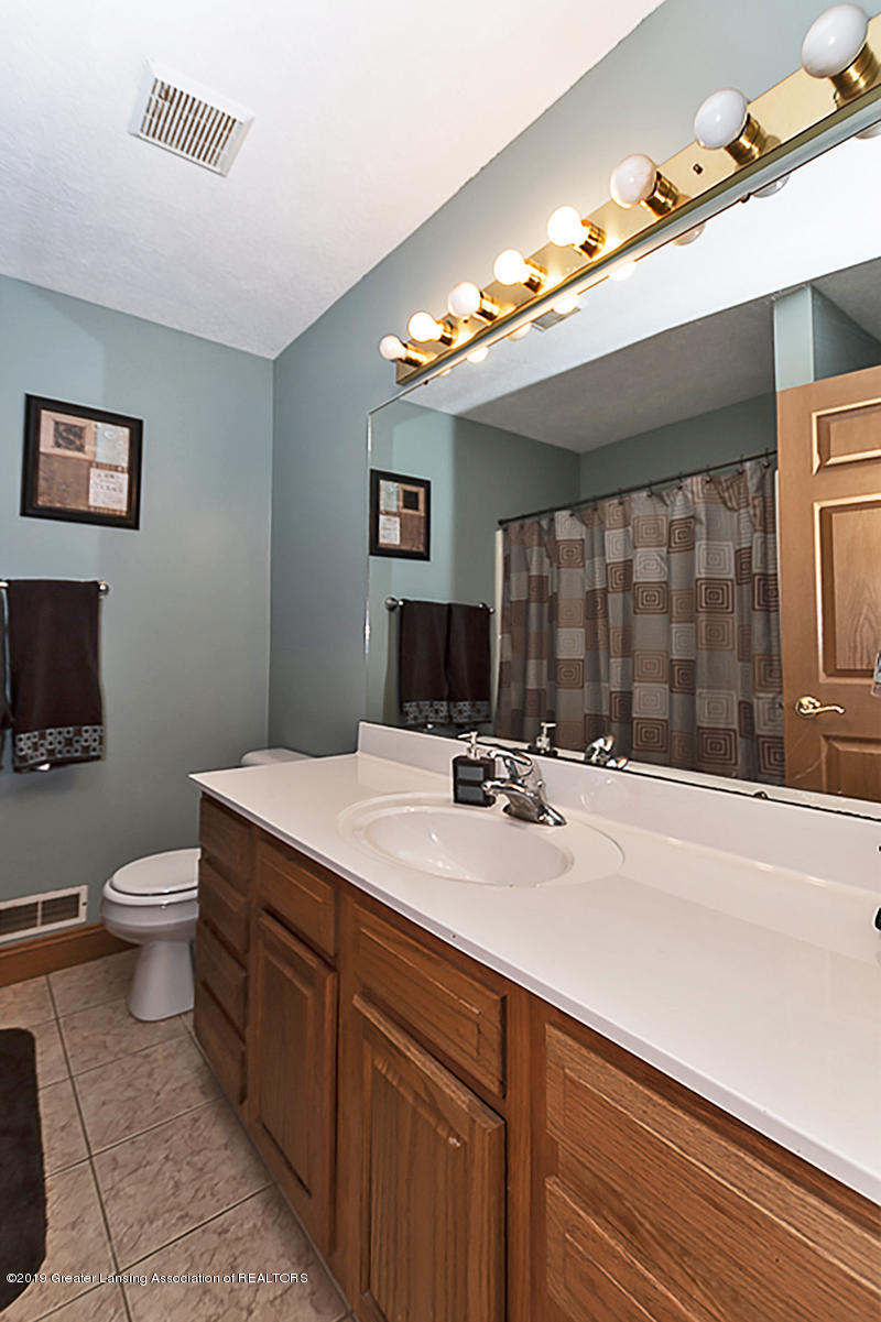3104 Meadow Brook Rd - Main bath - 15
