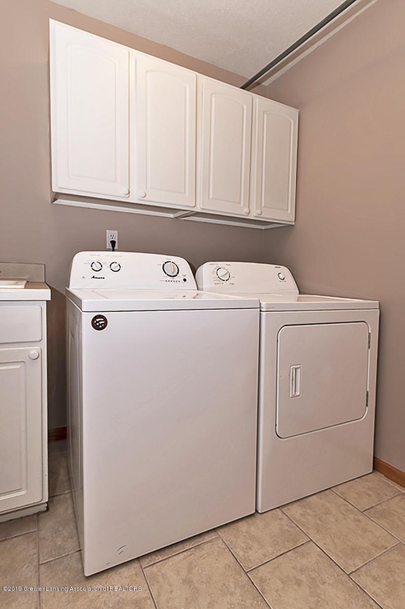 1103 Sunrise Dr - First Floor Laundry - 20