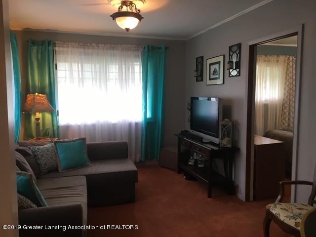 4515 W Saginaw Hwy - IMG_2783 - 3
