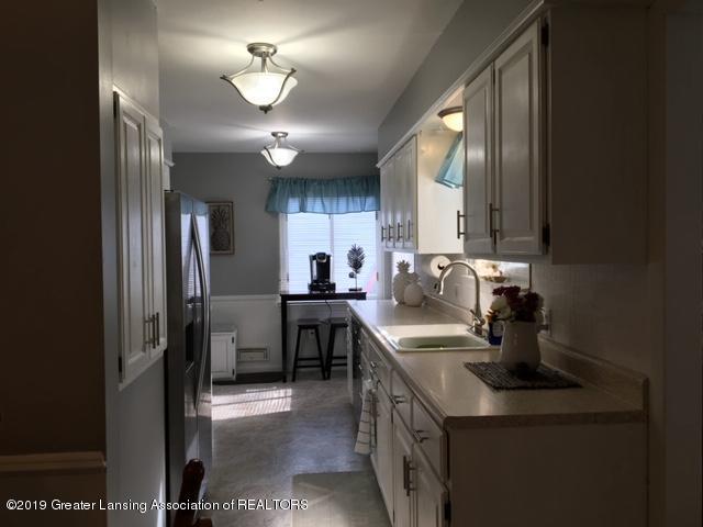 4515 W Saginaw Hwy - IMG_2784 - 4