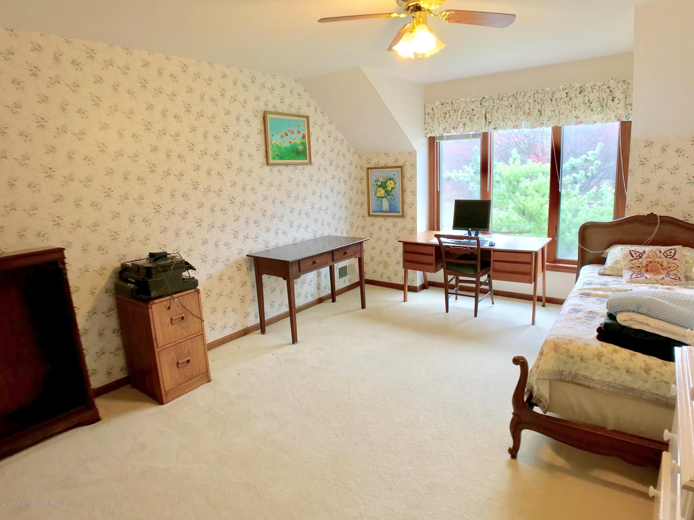 1858 Cimarron Dr - Bedroom 3 - 28