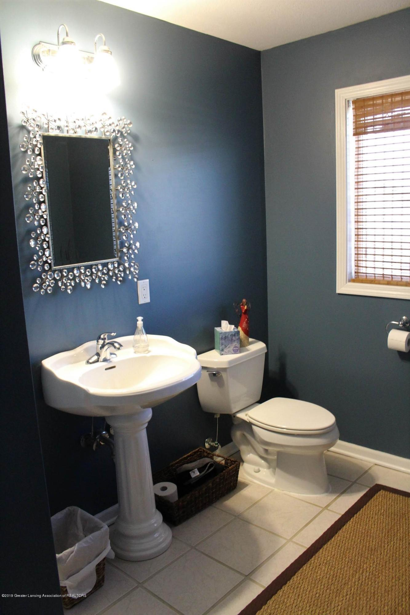 3099 E Price Rd - Bathroom - 10