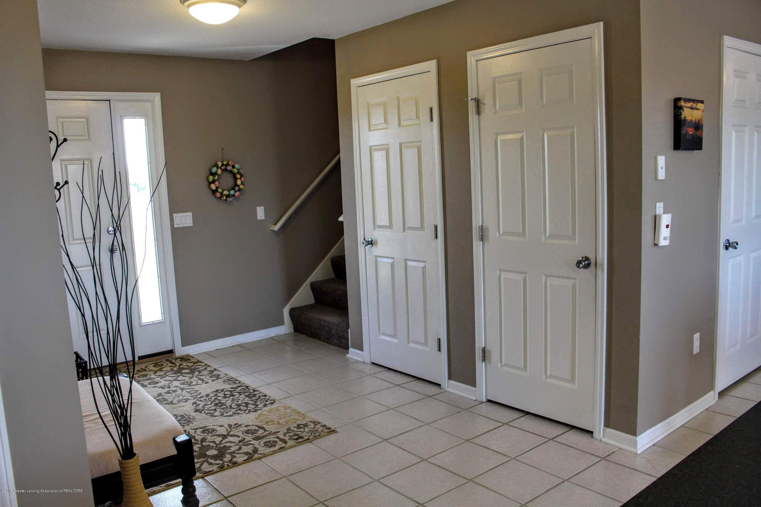 3099 E Price Rd - Foyer - 4