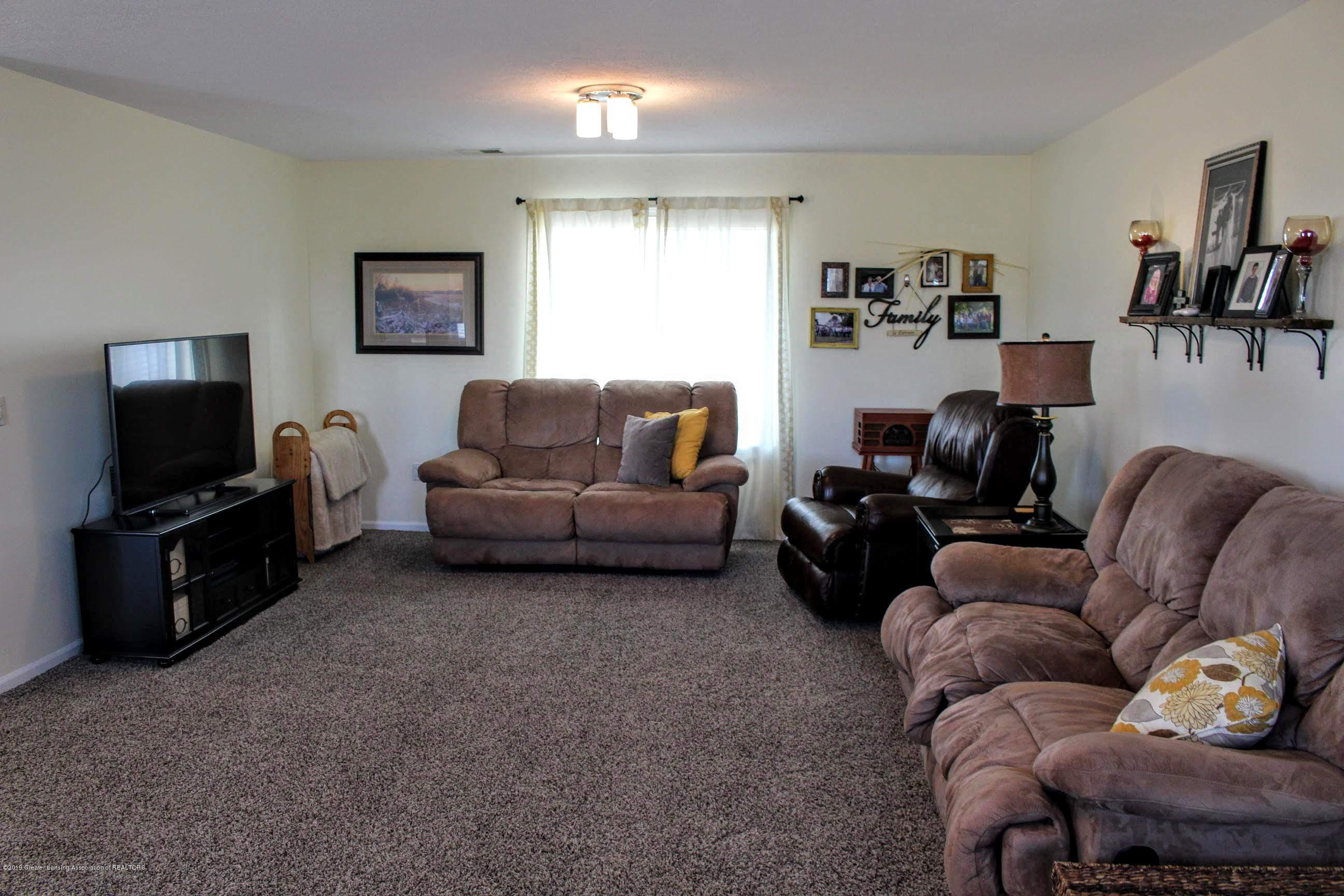 3099 E Price Rd - Living Room - 7