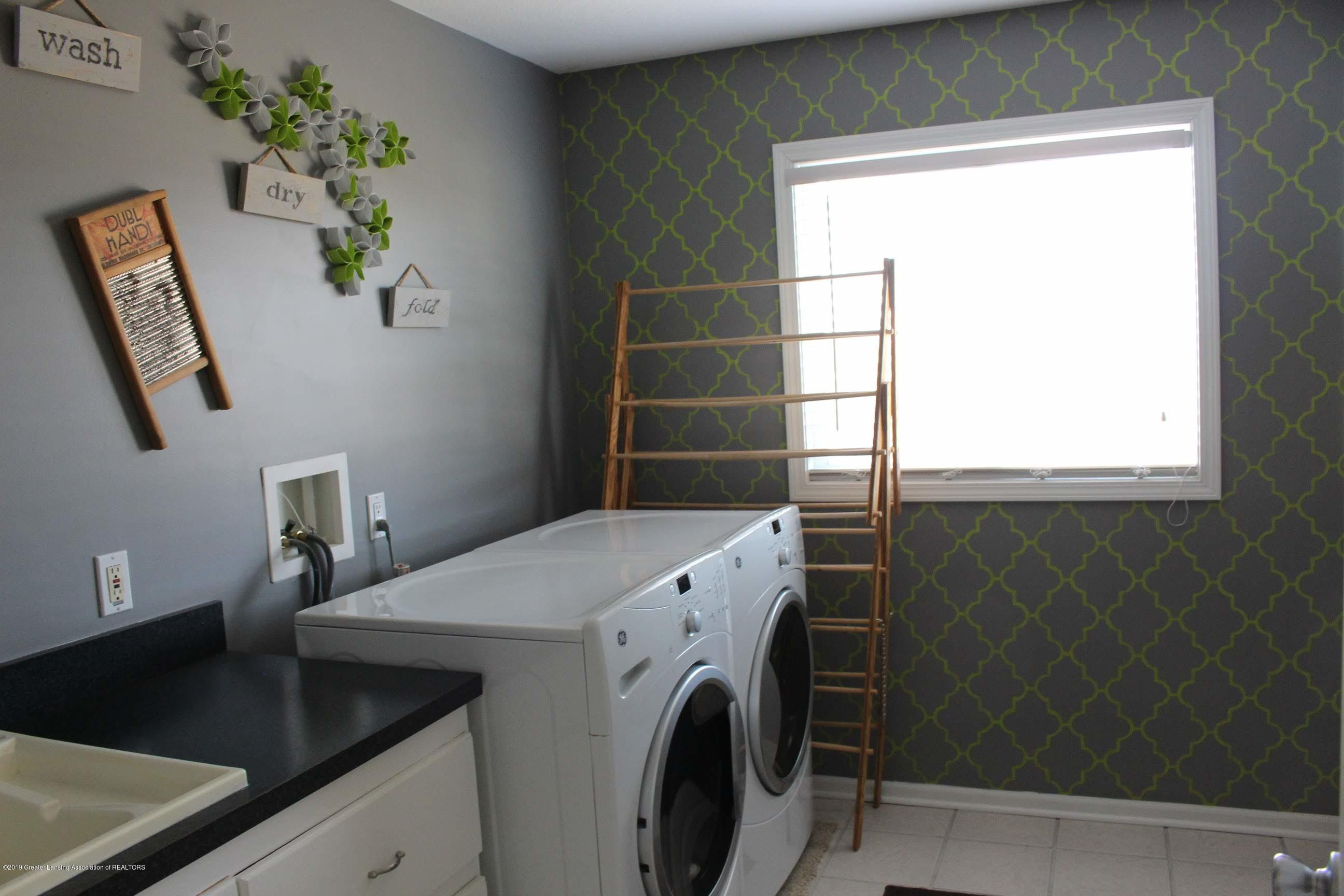 3099 E Price Rd - Laundry Room - 13