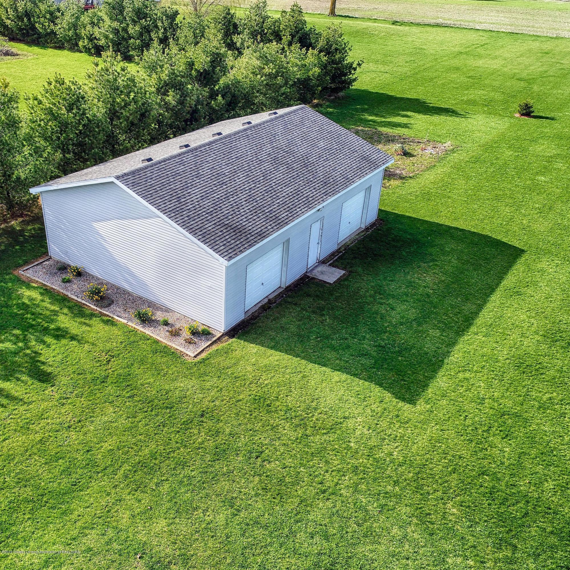 3099 E Price Rd - Pole Barn - 21