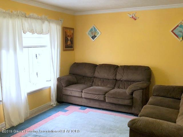 5835 Durwell Dr - Living Room - 3