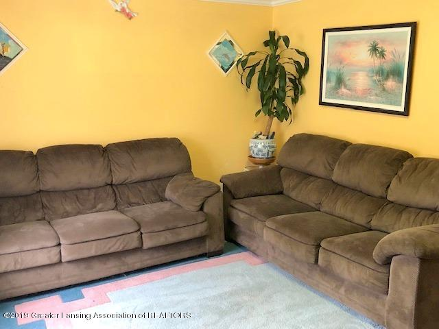 5835 Durwell Dr - Living Room - 4