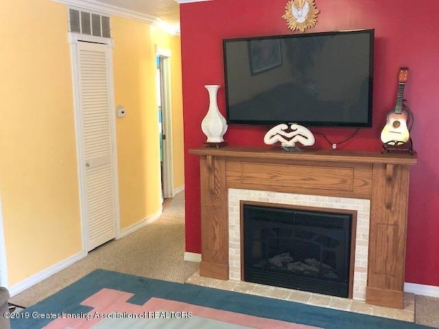 5835 Durwell Dr - Living Room - 5