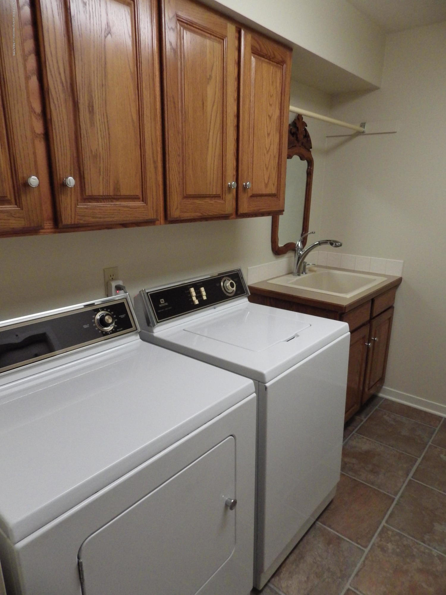 1007 Carlisle Cir - Laundry Room - 22
