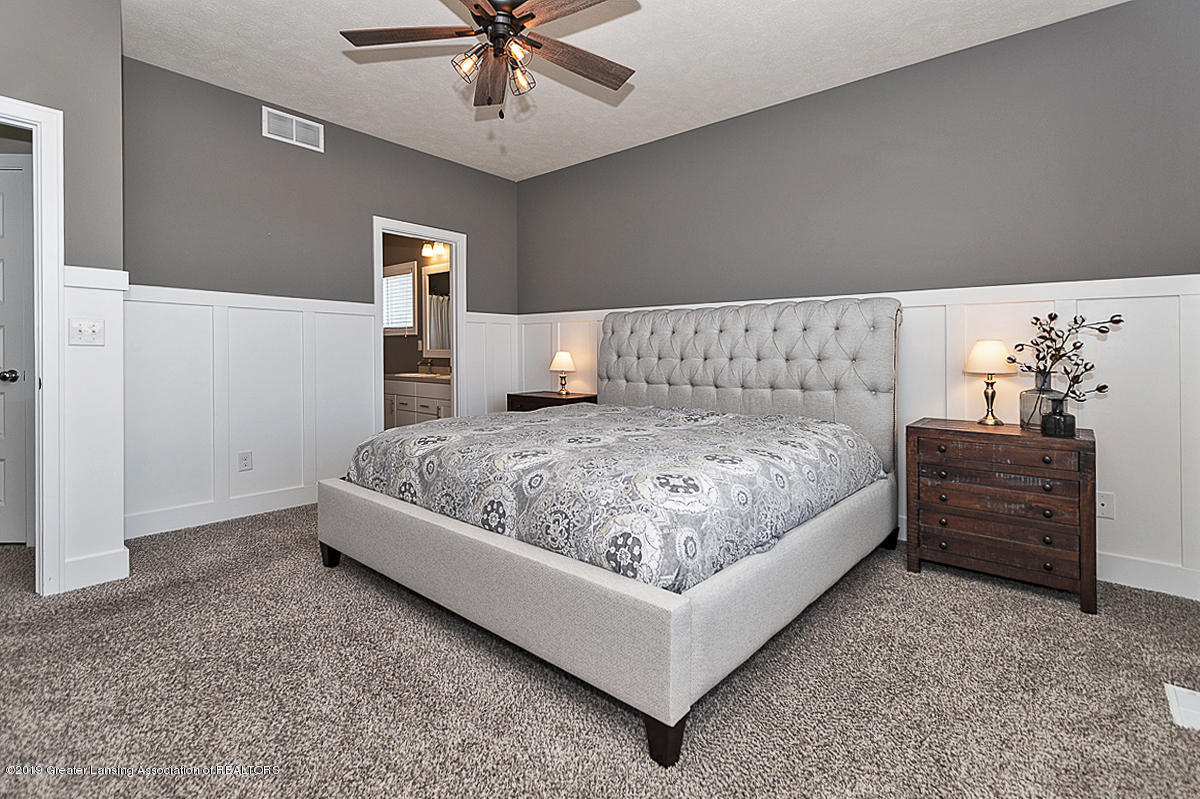10599 Saddlebrook Dr - Master Suite - 13