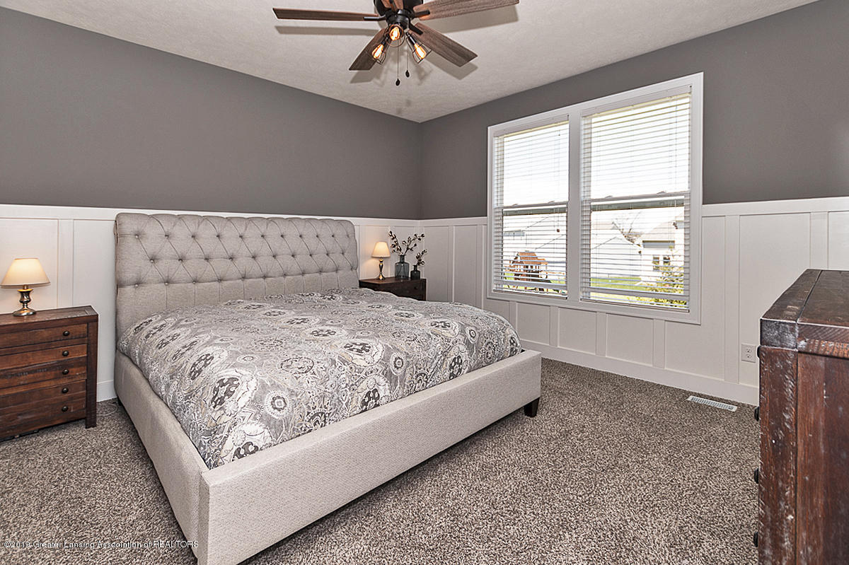 10599 Saddlebrook Dr - Master Suite - 14