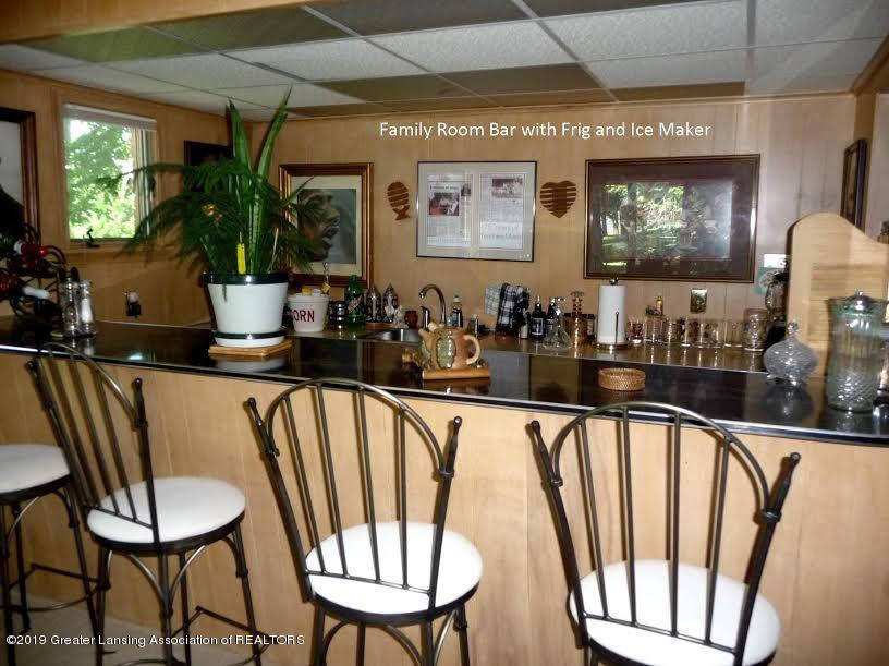 3863 Waverly Hills Rd - Familyroom Bar - 78