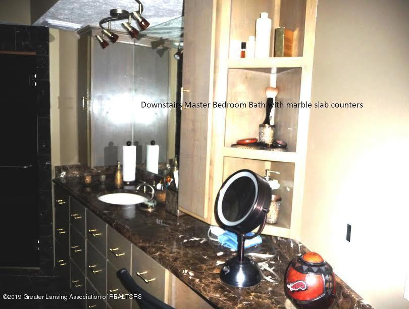 3863 Waverly Hills Rd - Master Bath marble counters - 56