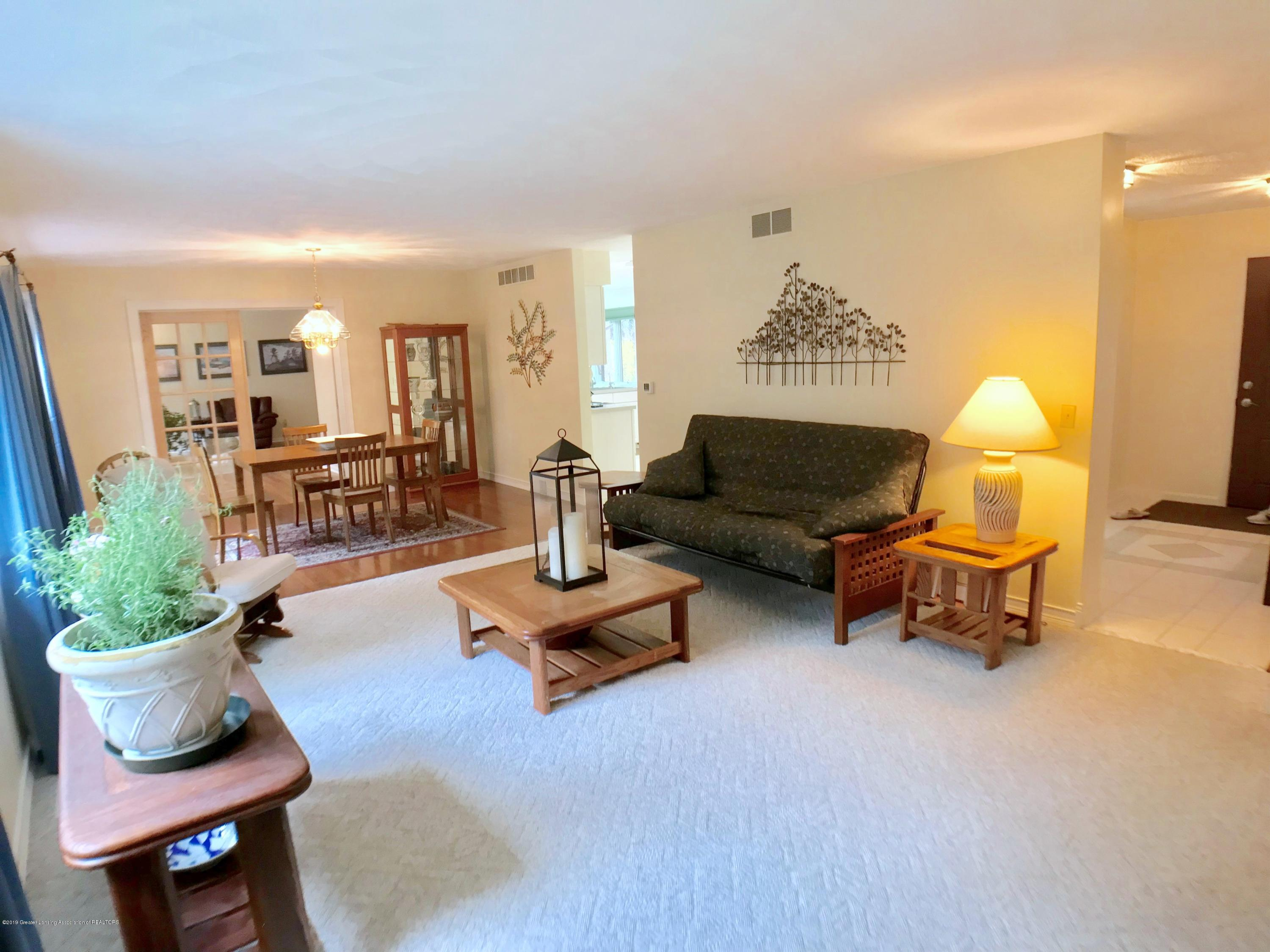 12280 Beardslee Rd - Living Room - 3