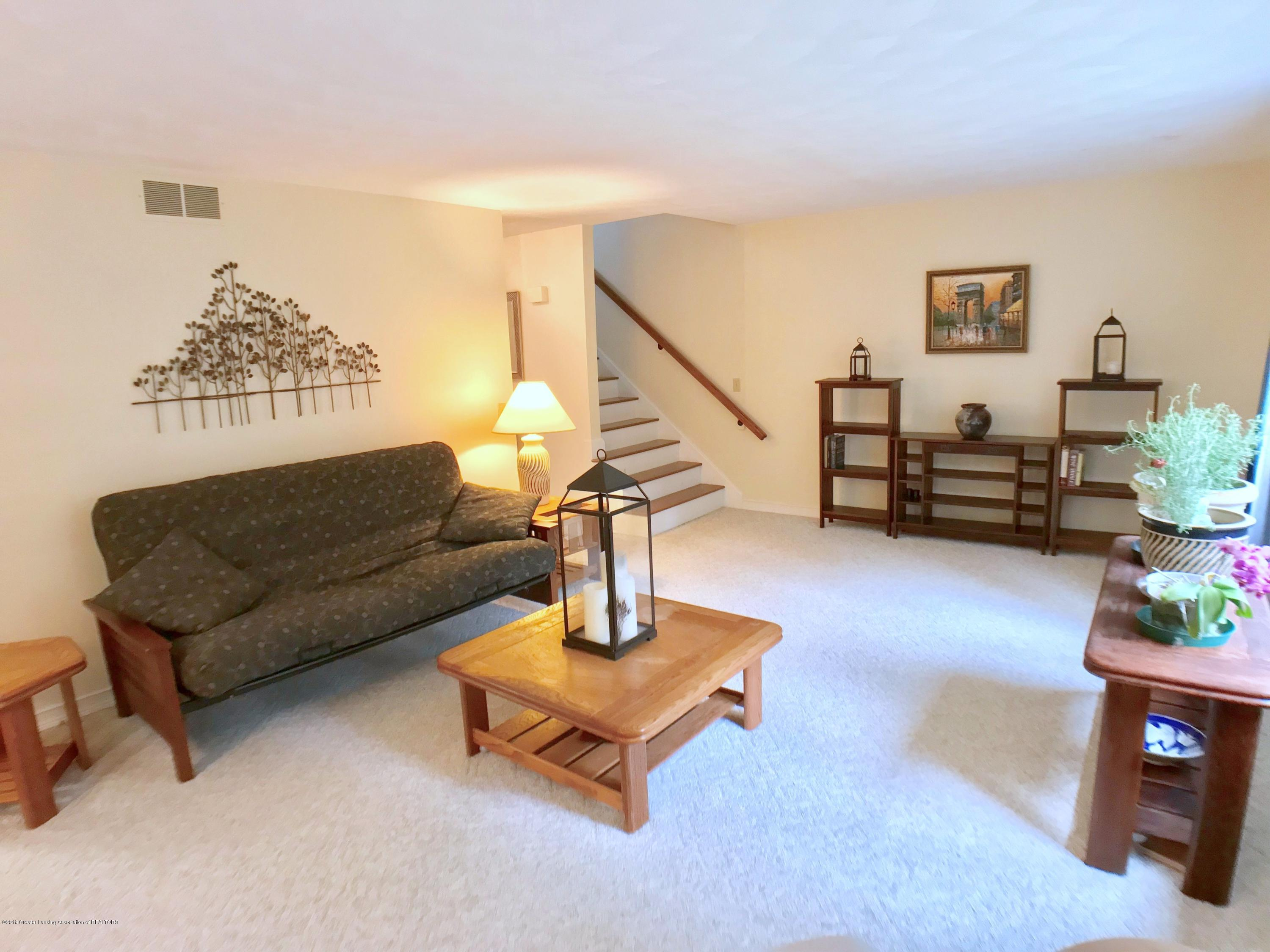 12280 Beardslee Rd - Living Room - 5