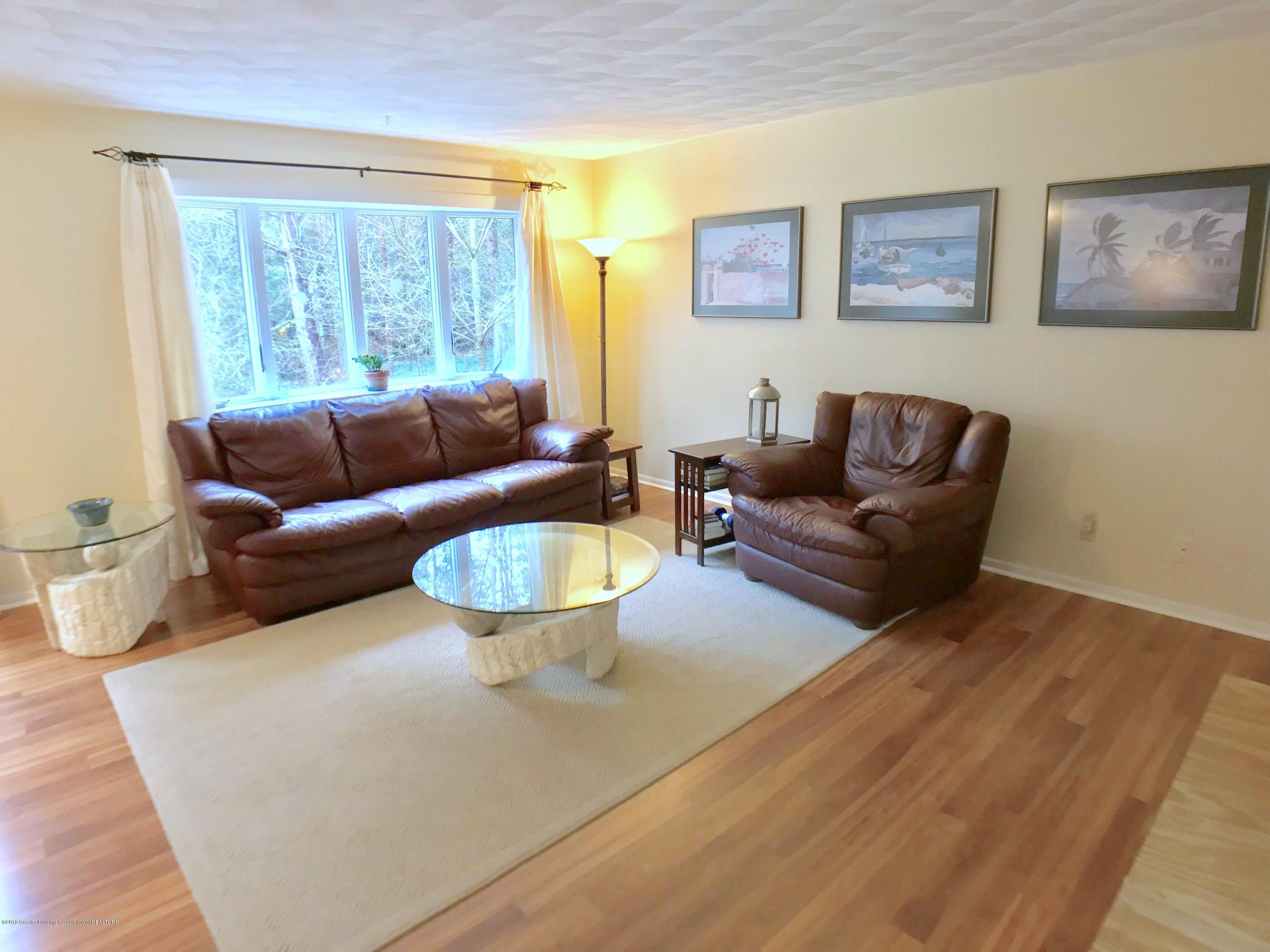 12280 Beardslee Rd - Family Room - 15