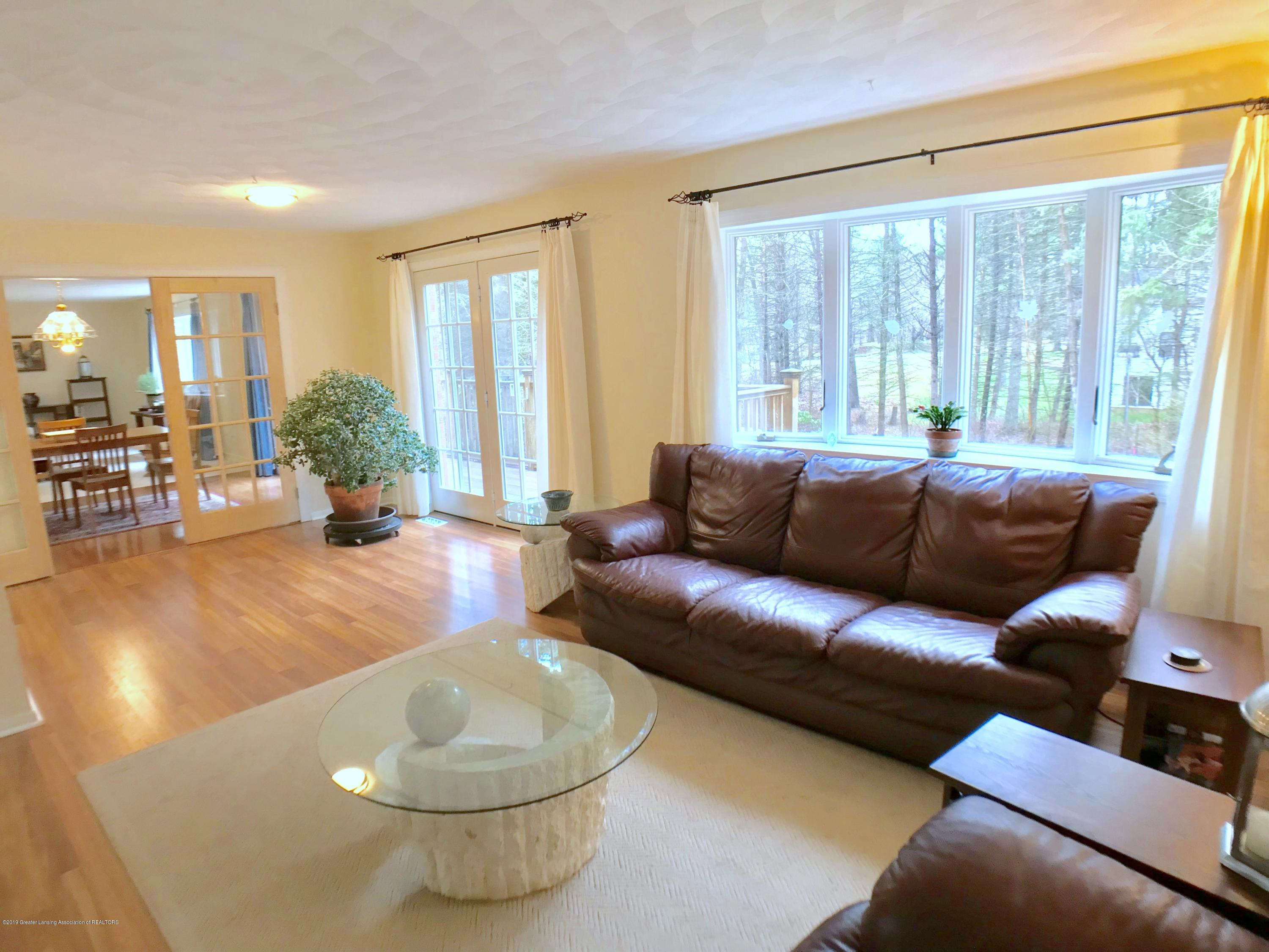 12280 Beardslee Rd - Family Room - 16