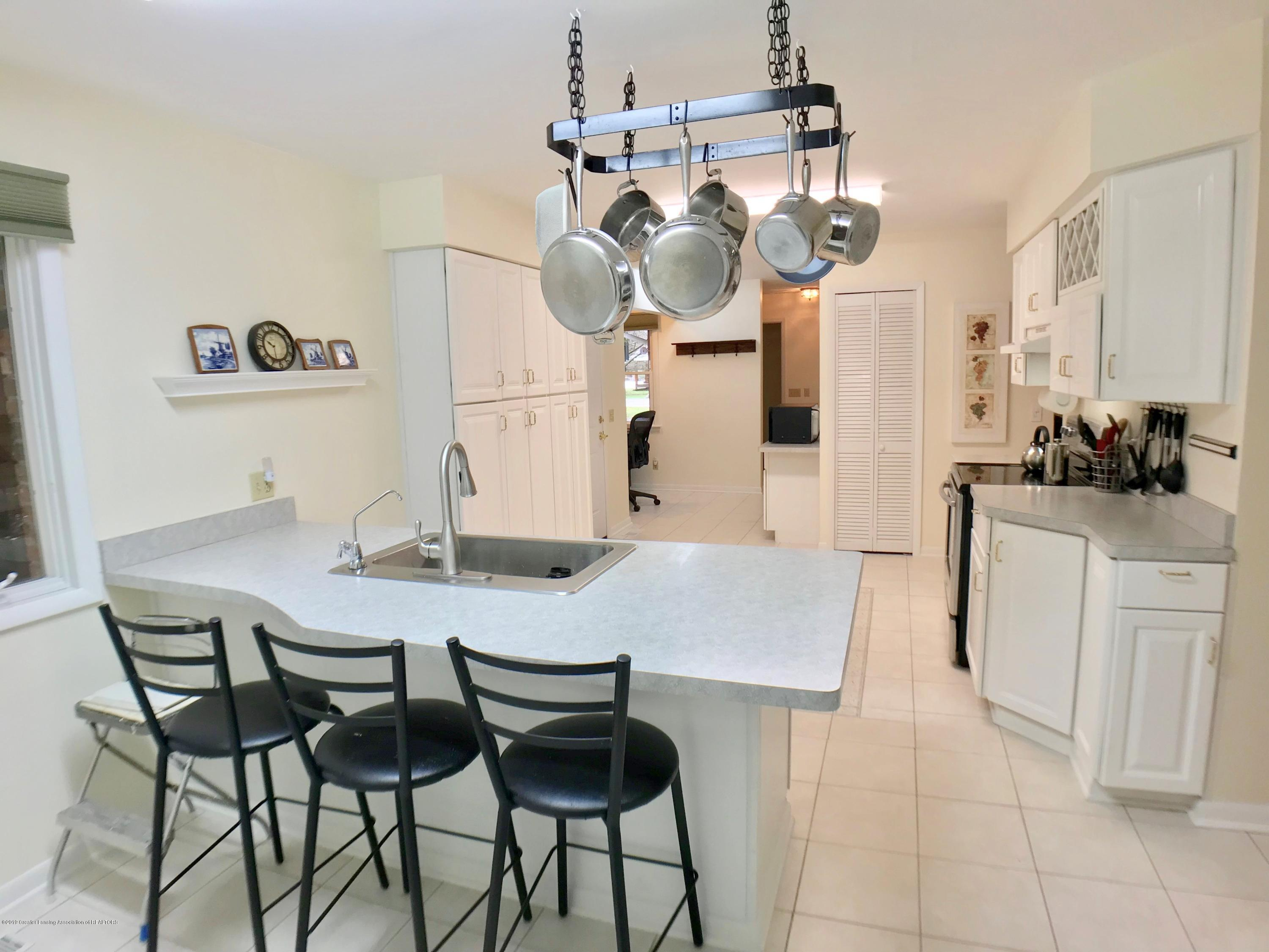 12280 Beardslee Rd - Kitchen - 8
