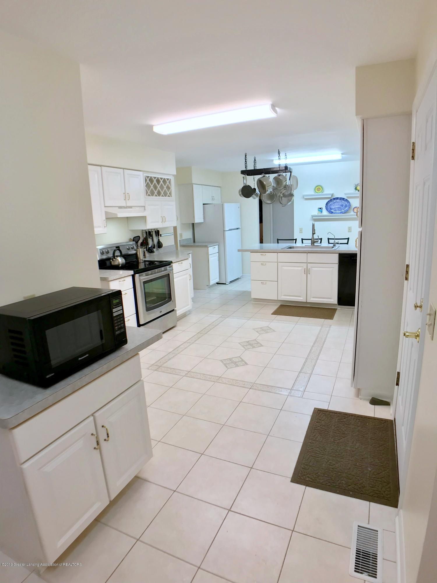 12280 Beardslee Rd - Kitchen - 11