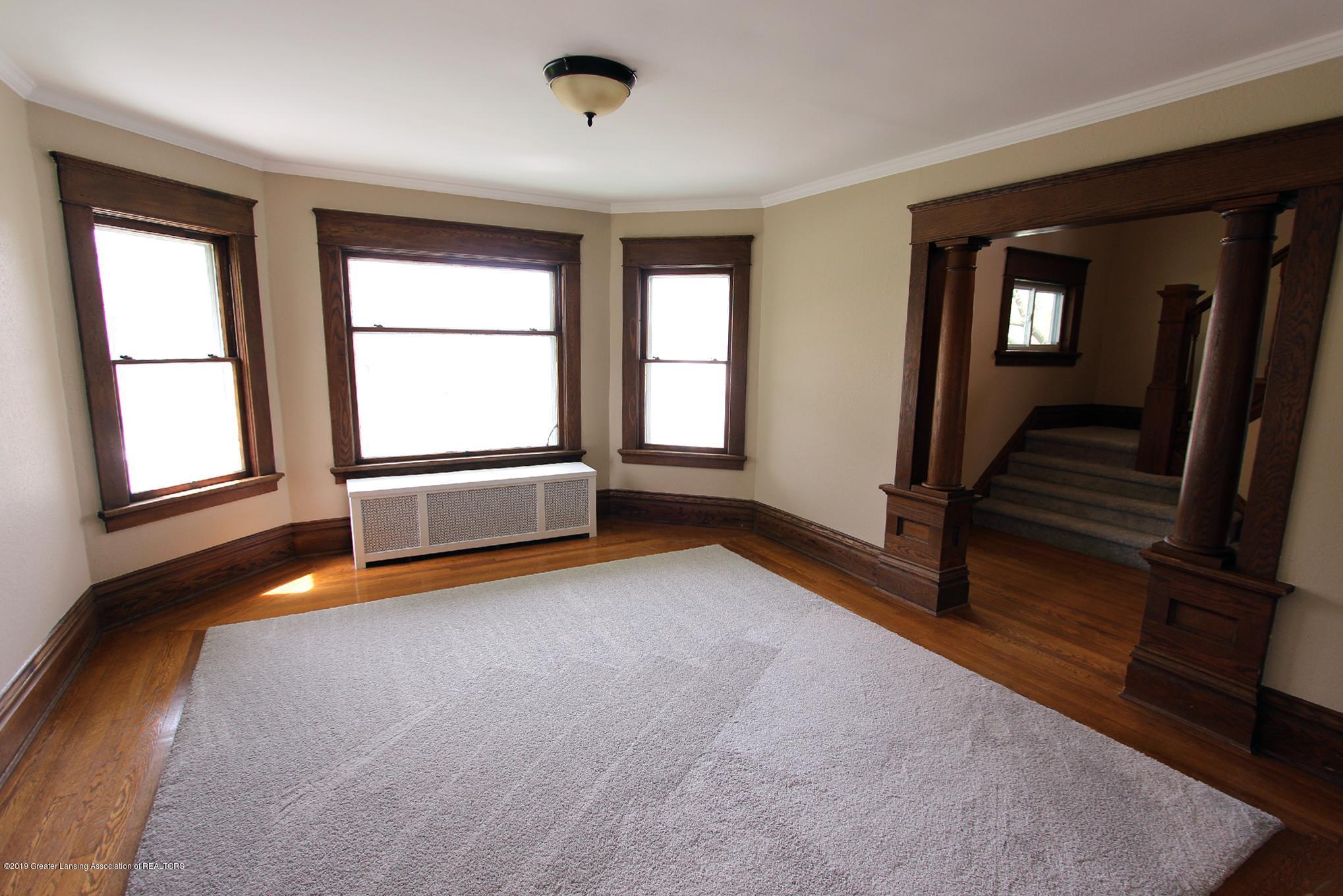214 N Franklin St - 04 Living Room 1 - 5