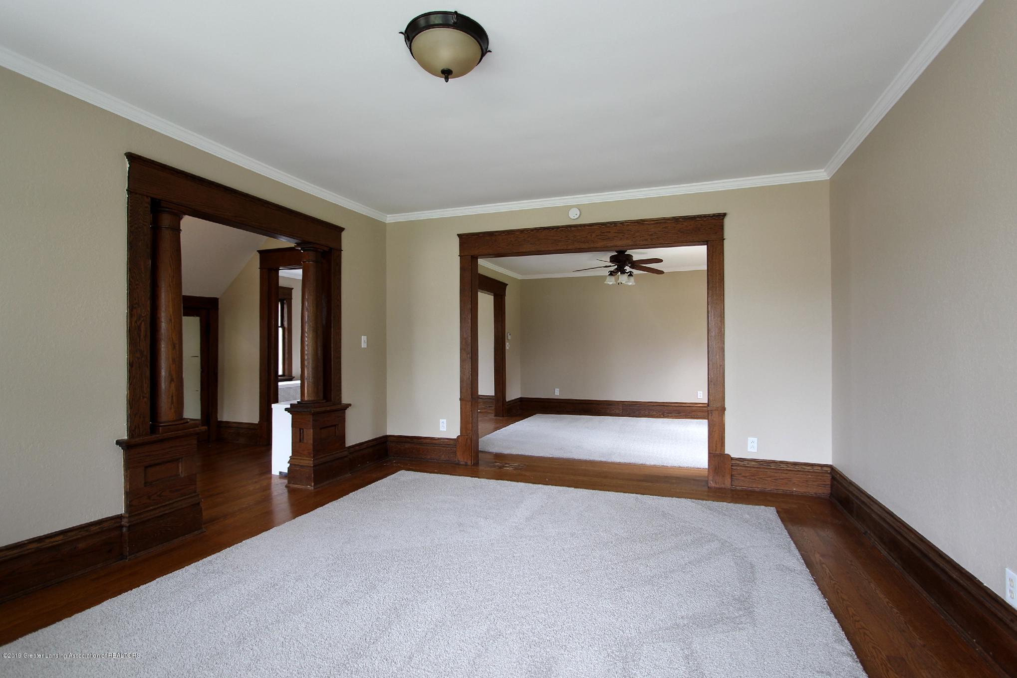 214 N Franklin St - 06 Living Room 3 - 7