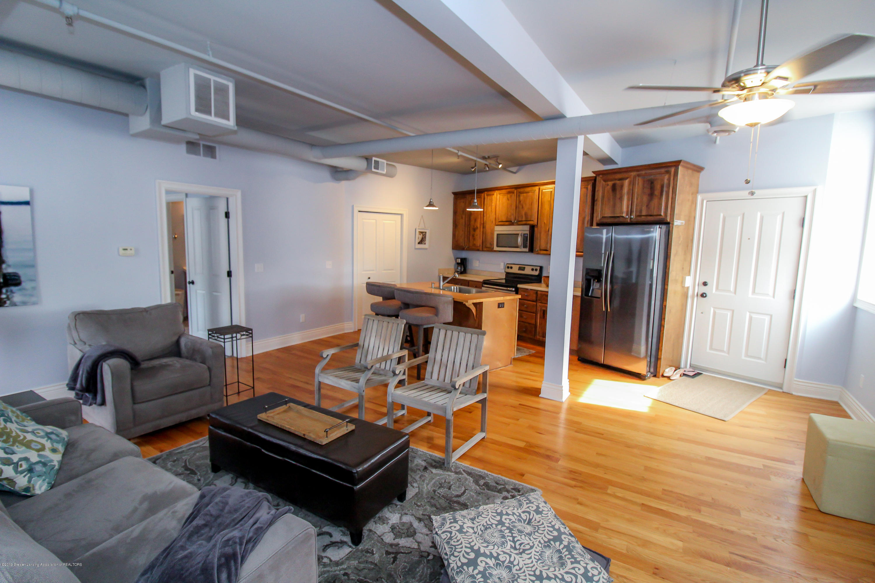 109 E Grand River Ave 4 - living space - 5