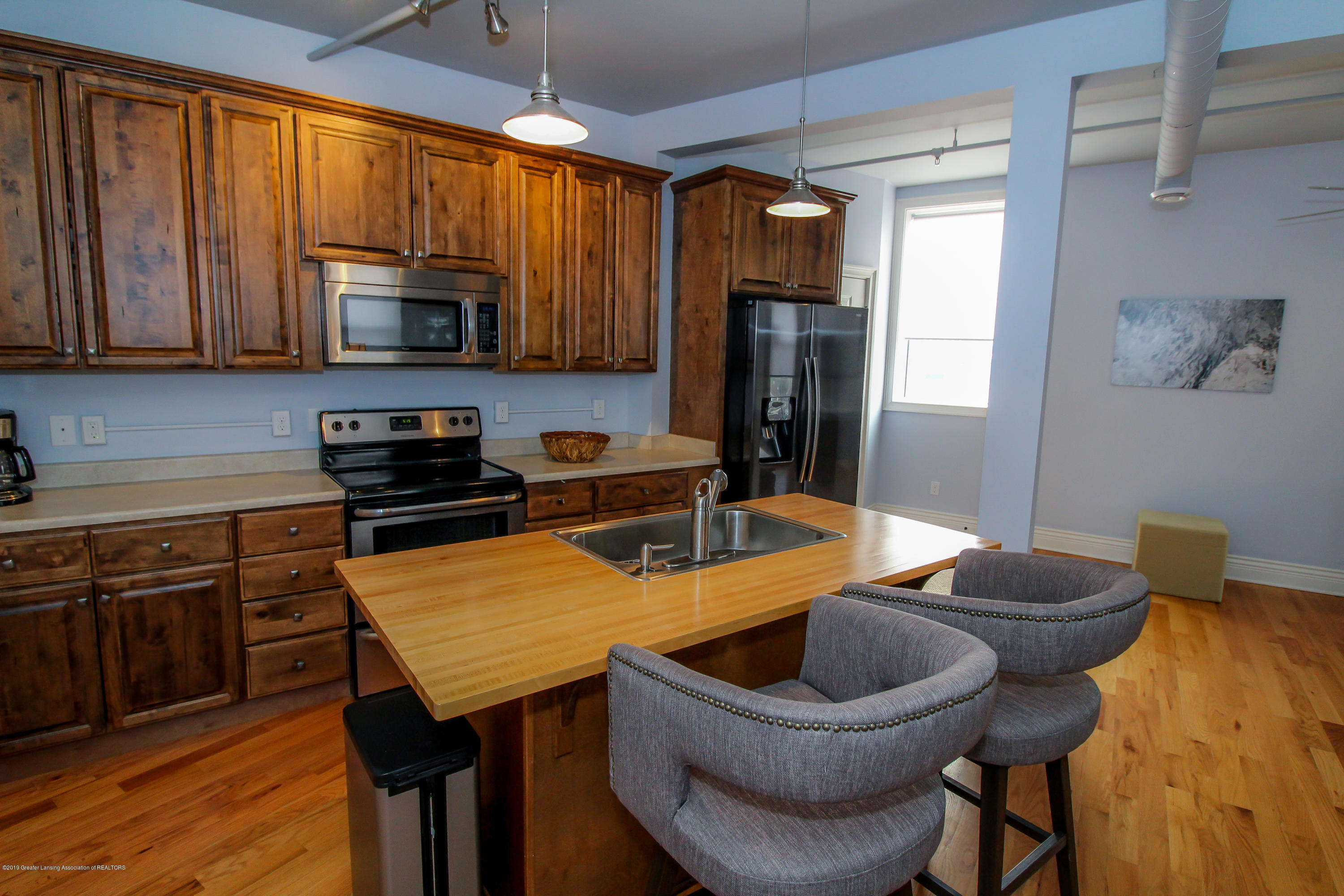 109 E Grand River Ave 4 - kitchen - 10