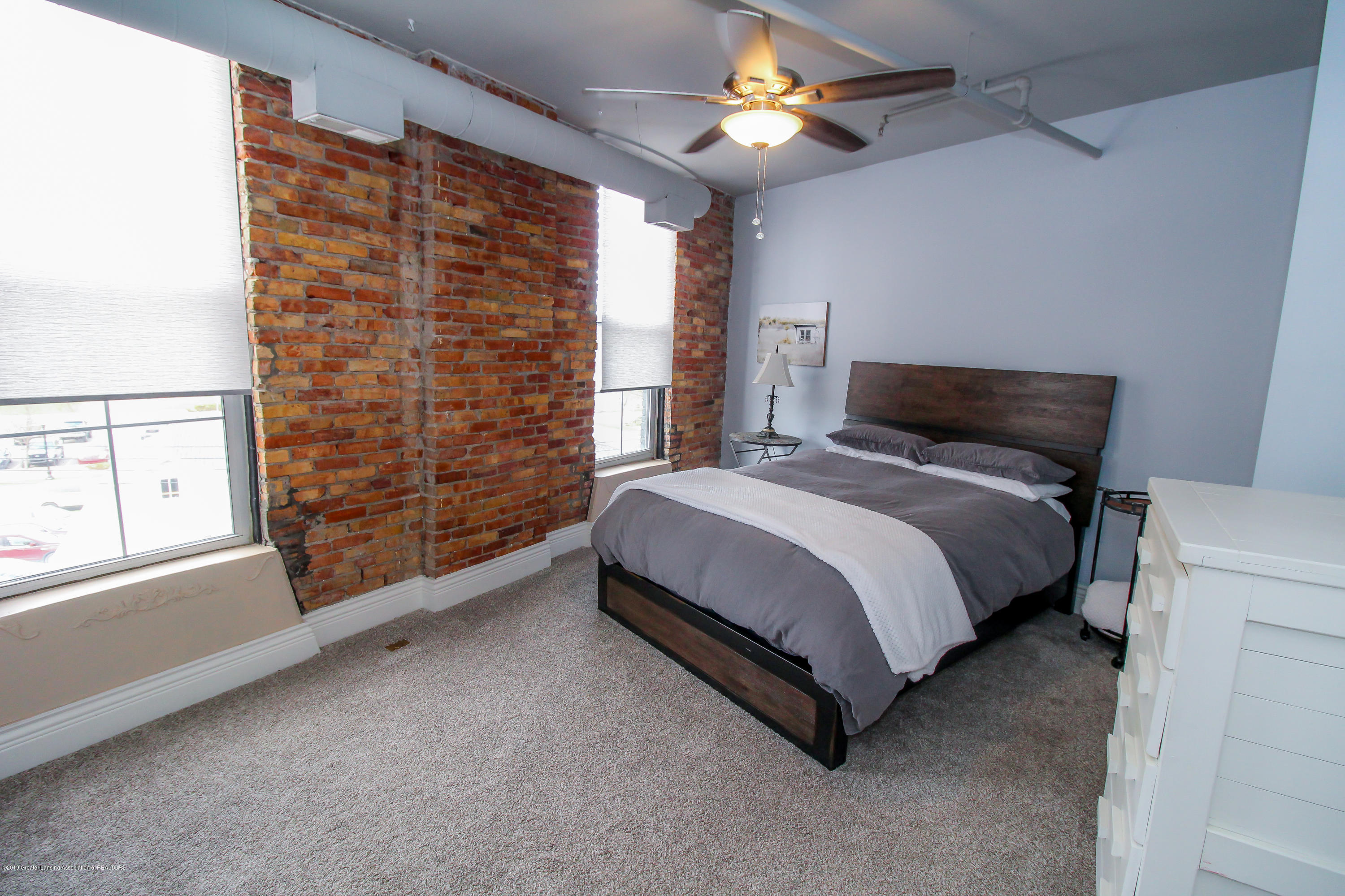 109 E Grand River Ave 4 - master bedroom - 13