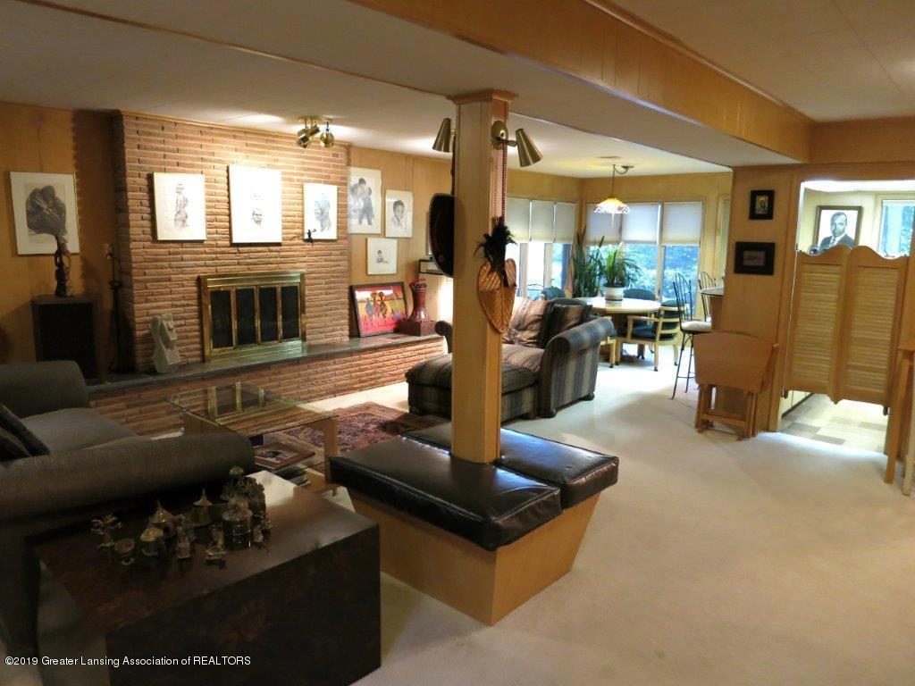 3863 Waverly Hills Rd - Family Room level 1 - 69