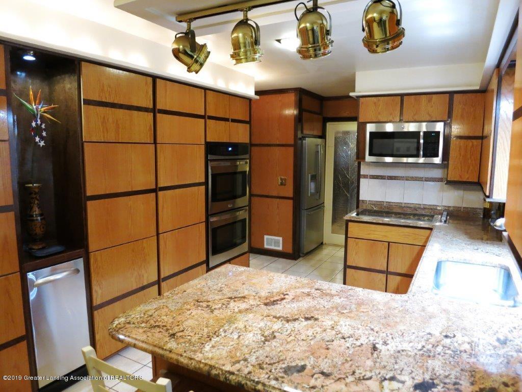 3863 Waverly Hills Rd - Kitchen area - 31