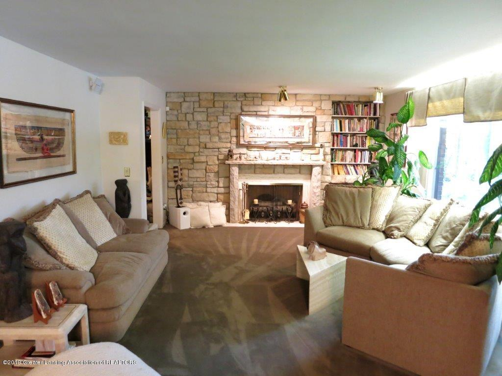 3863 Waverly Hills Rd - Living Room with FP - 48