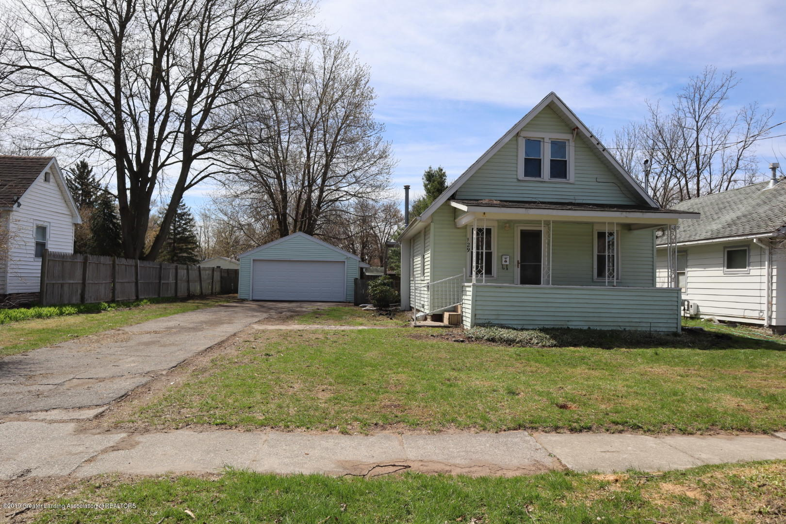 129 W Hodge Ave - Front - 1