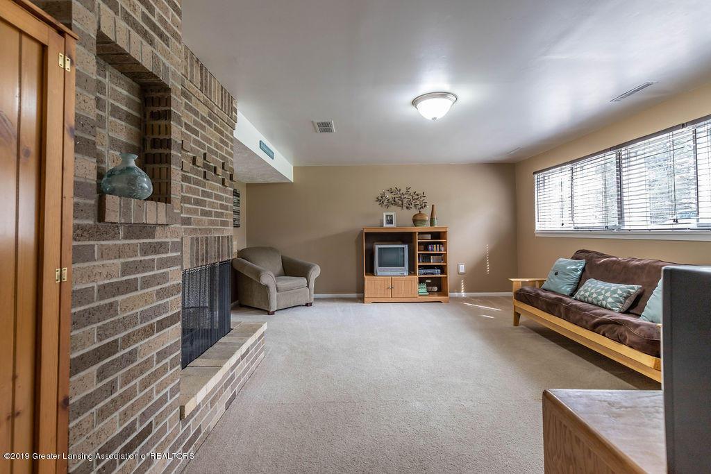 736 W Dexter Trail - Family Room - 30