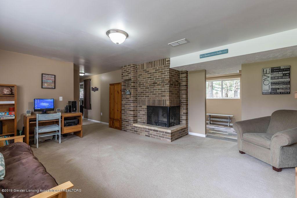 736 W Dexter Trail - Family Room - 31