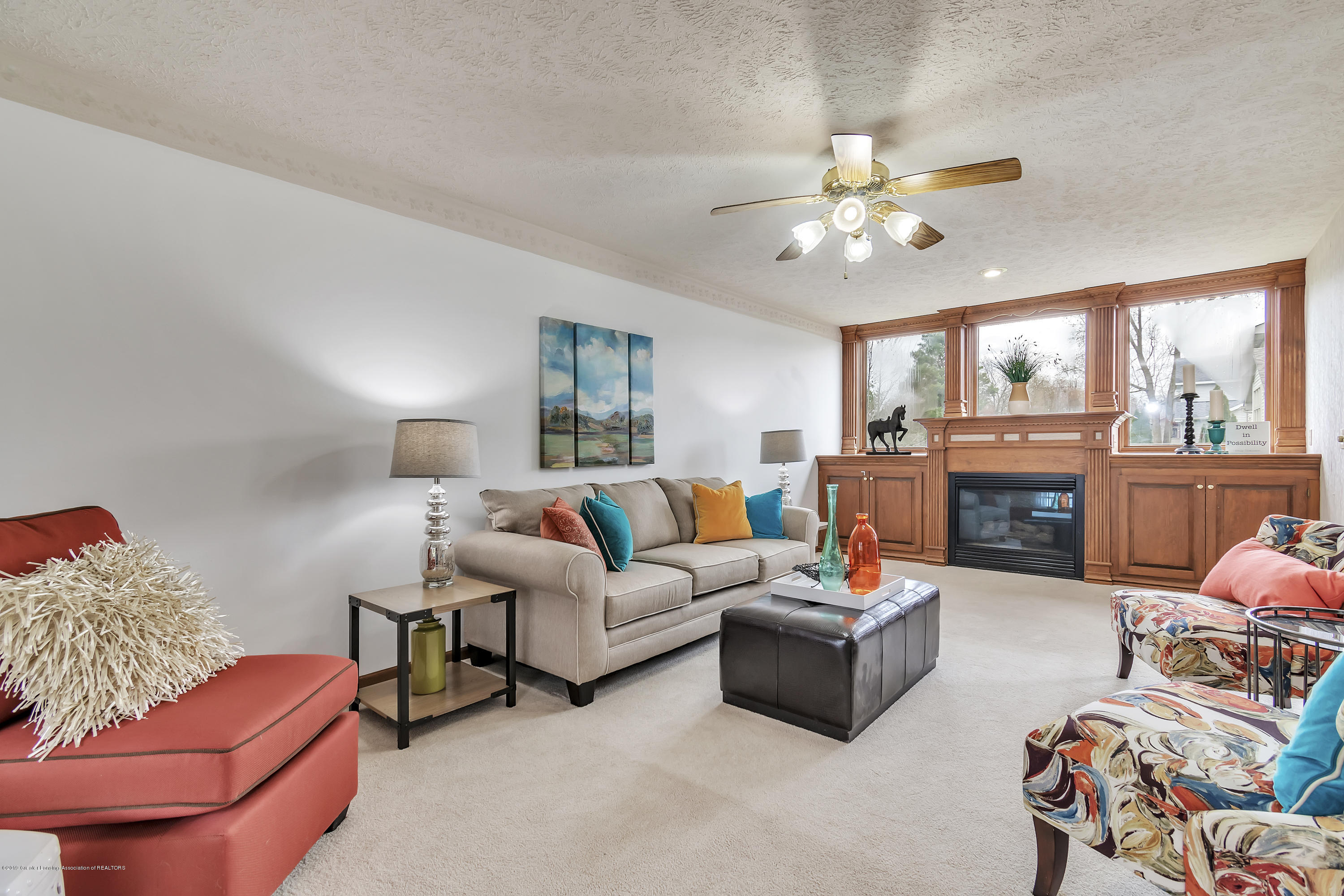 2600 Ayrshire Dr - Living - Fireplace - 8