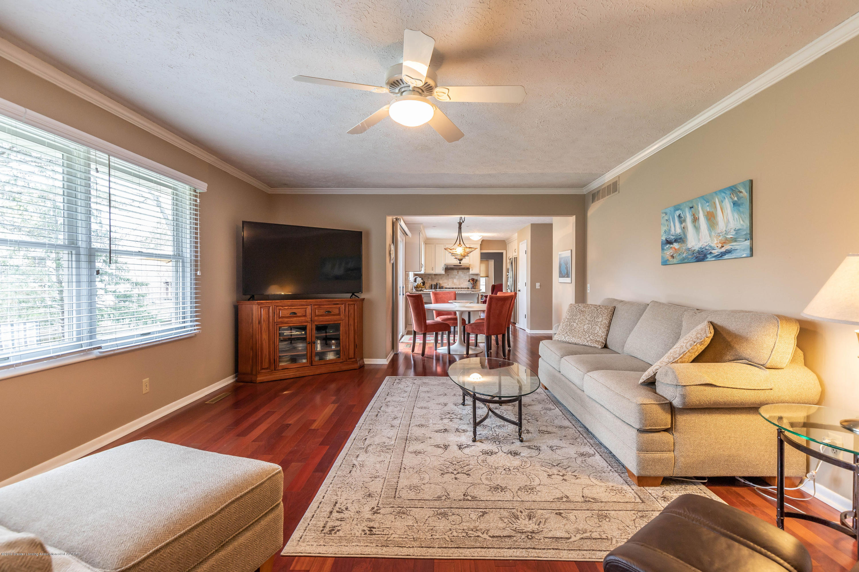 2080 Tamarack Dr - Family Room - 24
