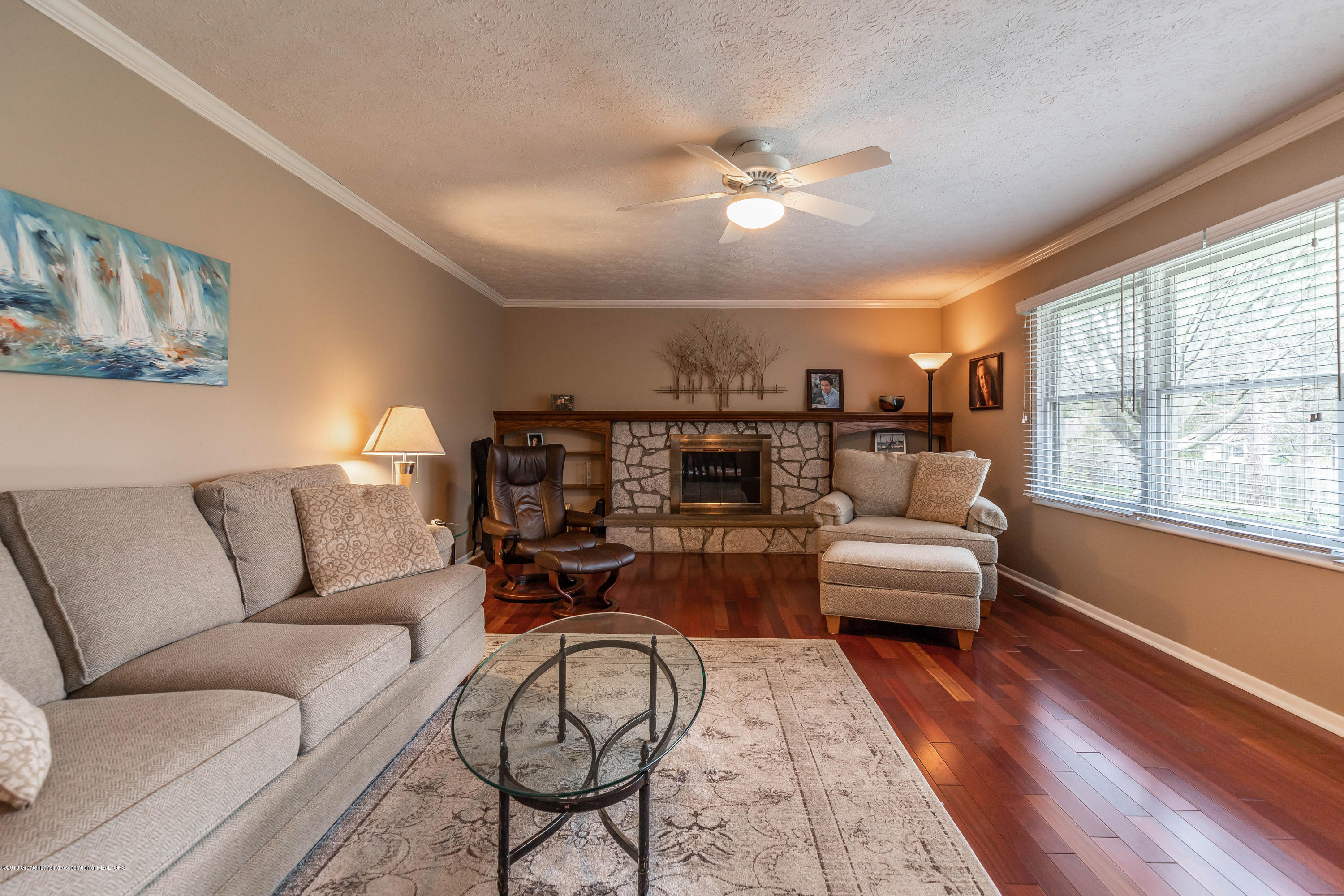 2080 Tamarack Dr - Family Room - 22
