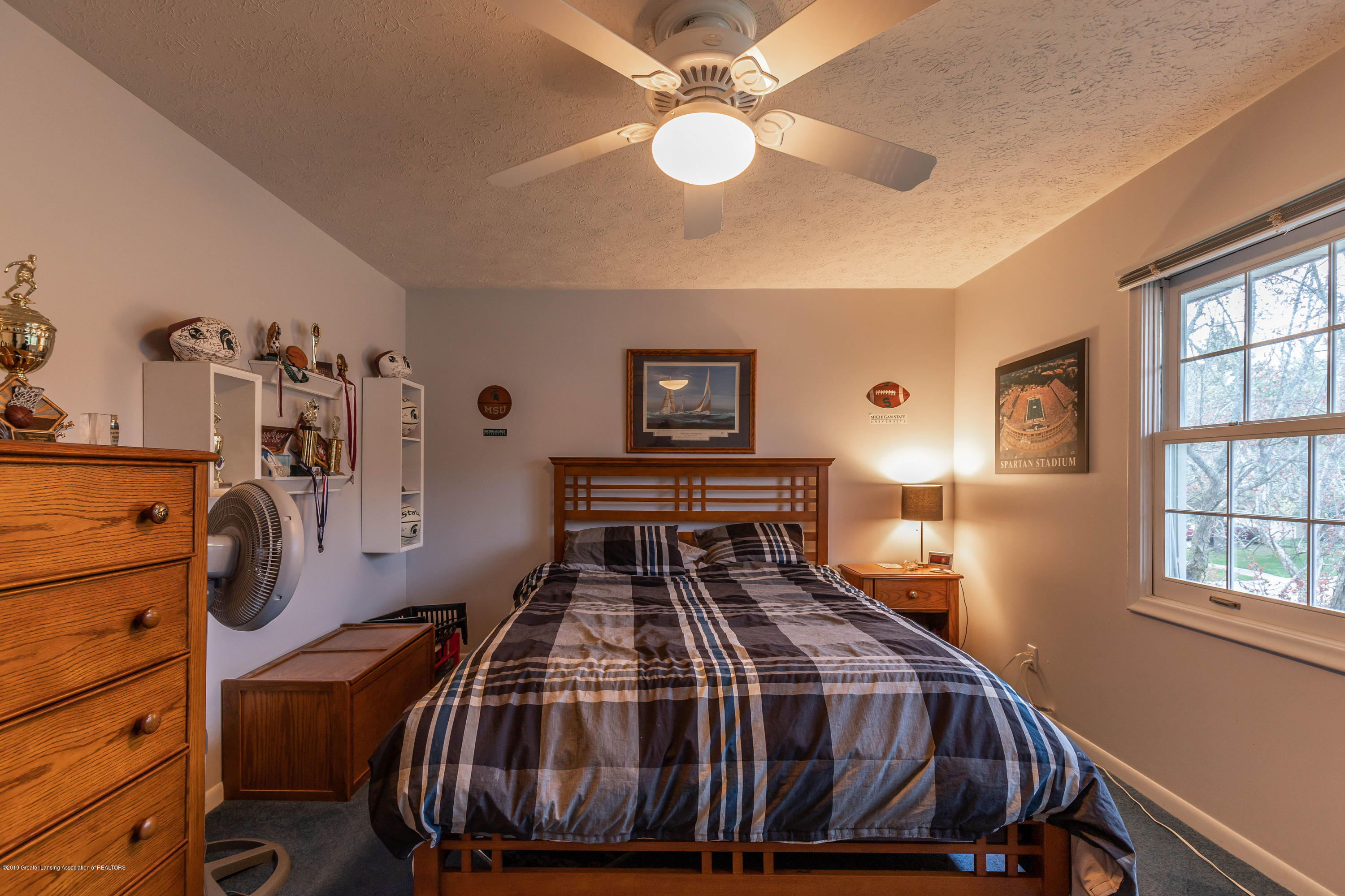 2080 Tamarack Dr - Bedroom - 32