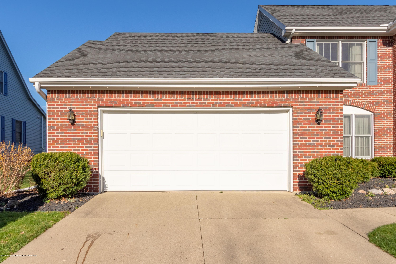 3065 Summergate Ln - Attached Garage - 3