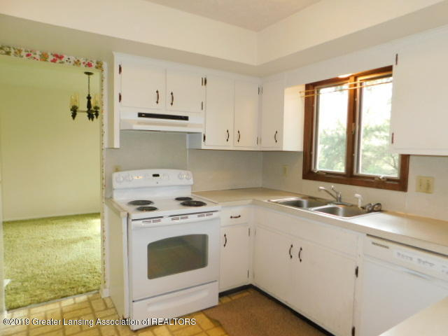 3896 Raleigh Dr - KITCHEN - 4