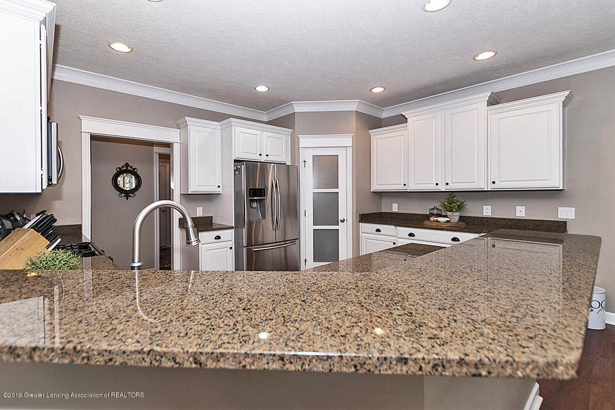 13525 Heathrow Cir - 13525 HEATHROW KITCHEN COUNTERS - 24