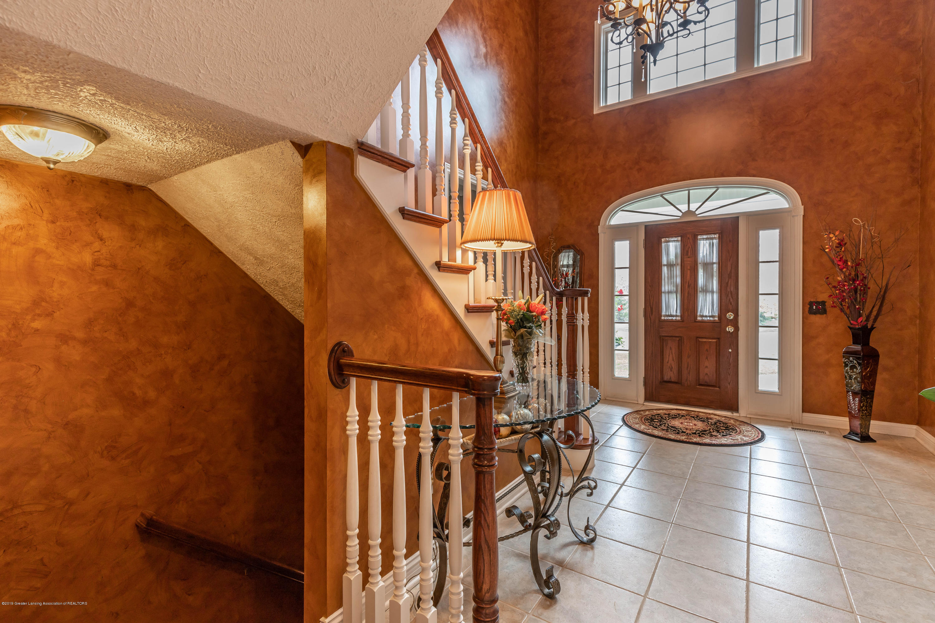 2057 Birch Bluff Dr - 2 story foyer - 12